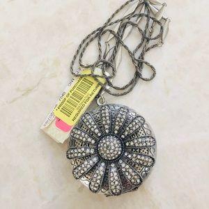 🚨SALE🚨 Fossil Rhinestone Flower Locket  Necklace